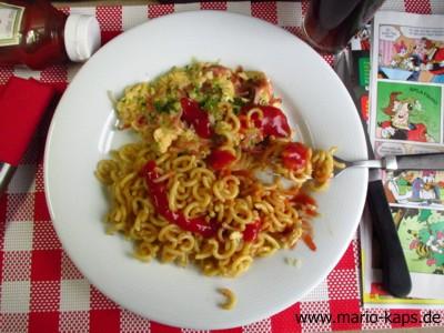 Gabelspaghetti_Schinkenrührei_Ketchup_10P