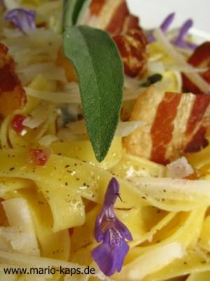 Salbei-Speck-Pasta-Detail1_300x400
