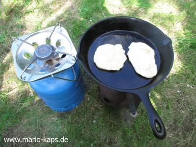 Camping-Pfannenbrot3-Tipp_400x300