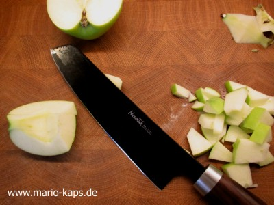 Green Gazpacho - Apfel schneiden