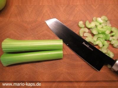 Green Gazpacho - Stangensellerie scheiden