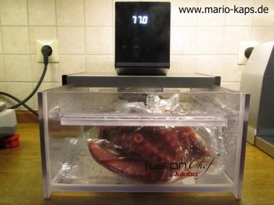 Oktopus Sous Vide - Sous Vide Wasserbad auf 77,0 °C temperiert mit vakuumiertem Oktopus