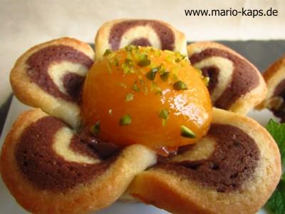 Toffifee-Aprikosen-Blüten-Makro_10P