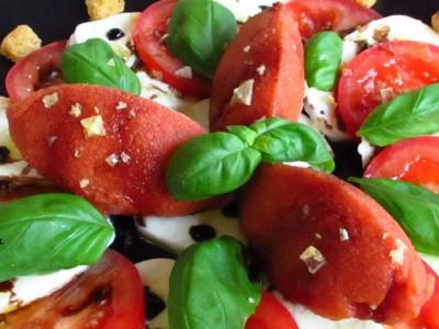 Tomatensorbet-auf-Caprese_400x300