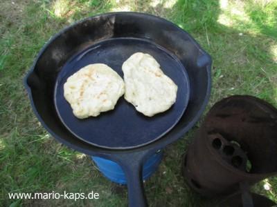 Camping-Pfannenbrot2_400x300