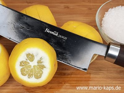 Salzzitronen - Zitronen einschneiden